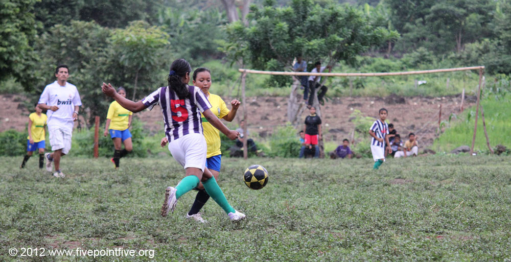 Amojo - women who fought for the right to play football